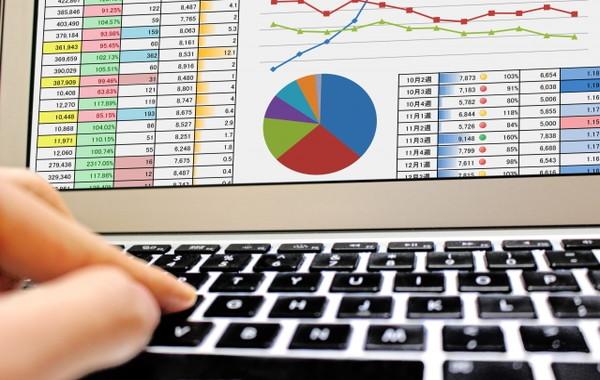 WEB上にある情報を収集解析し、お客さま独自の情報を加えたオリジナルデータを作成することができます。