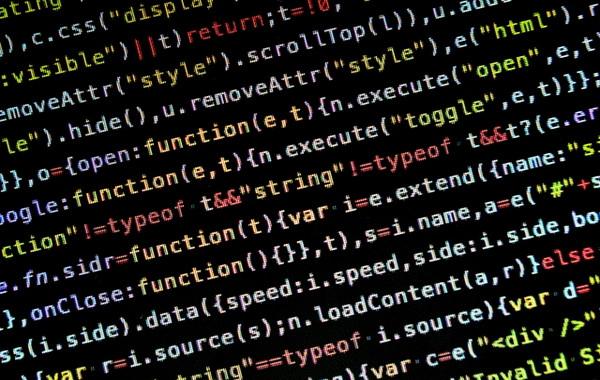 ホームページ創世記時代からプログラミングやサーバー制作、開発を行い、今では、VB、VB.NET、C#、PHP、ruby、HTML5、Javascript、AJAXなど様々プログラミング言語でシステム開発ができます。